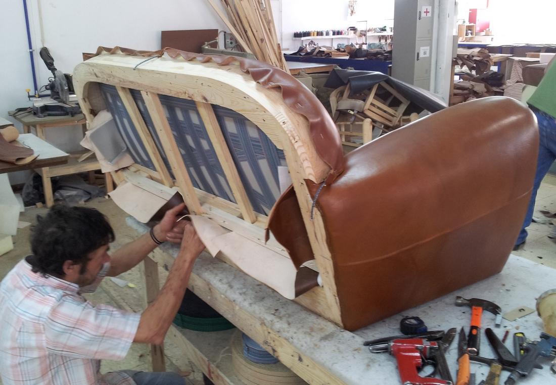 Fabrication europ enne de fauteuils club for Fabriquer un canape