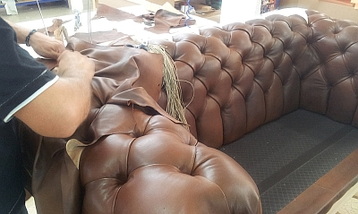 fabrication canapé chesterfield