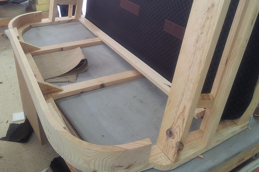 Fabrication europ enne de fauteuils club - Fabriquer un canape d angle ...